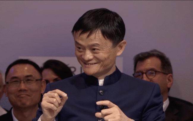 """Muốn thành công, bất cứ ai cũng có thể học những kỹ thuật nói chuyện này của """"thánh chém bão"""" Jack Ma"""