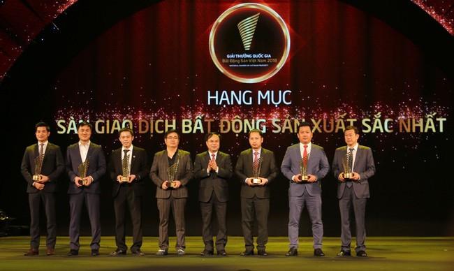 Tập đoàn Hoàng Quân vào top 5 sàn giao dịch bất động sản xuất sắc nhất Việt Nam