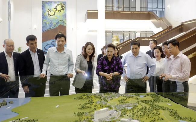 Chủ tịch Quốc hội Nguyễn Thị Kim Ngân thăm nhiều dự án trọng điểm tại Quảng Ninh