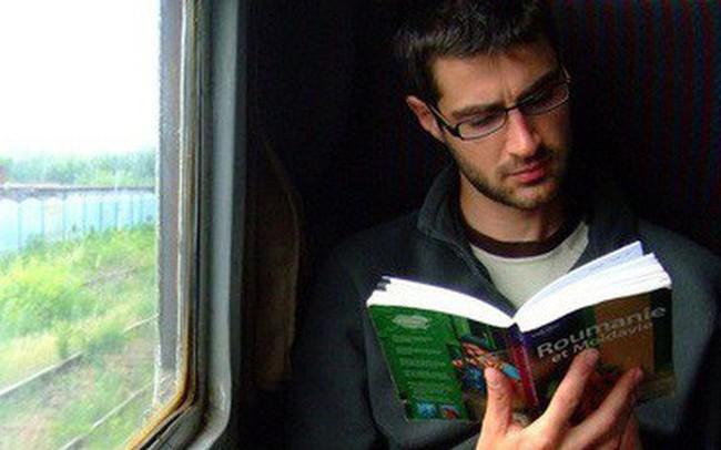 Nước Úc và chuyện những đứa trẻ chỉ đọc sách trên xe buýt, nhà siêu giàu nhưng vẫn đi làm thêm, không thích tiêu tiền bố mẹ