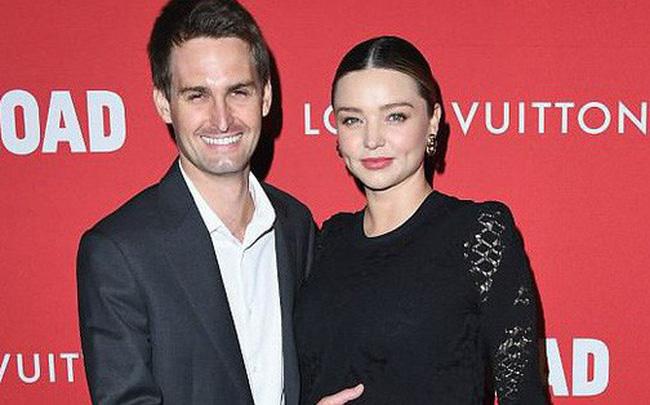 Miranda Kerr đã sinh con cho chồng tỷ phú, tên và giới tính em bé cũng được tiết lộ