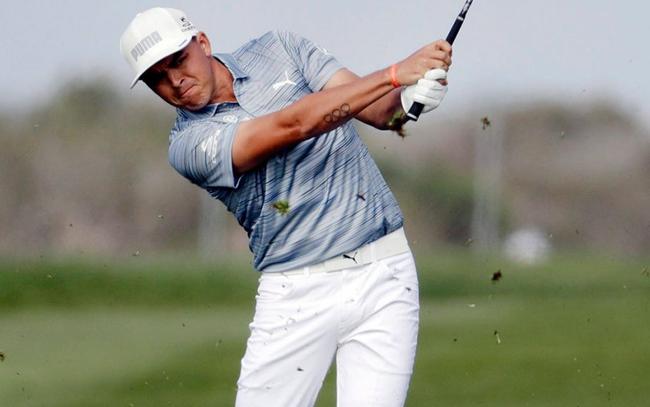 """""""Mất đến 4 gậy để đưa bóng vào hole"""" với khoảng cách chỉ 5,8m: Chơi golf quả thật không dễ chút nào!"""