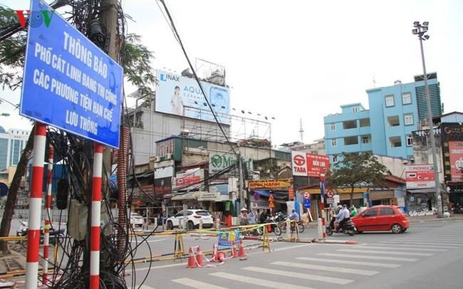 Hà Nội rào chắn, cấm đường để xây nhà ga Cát Linh
