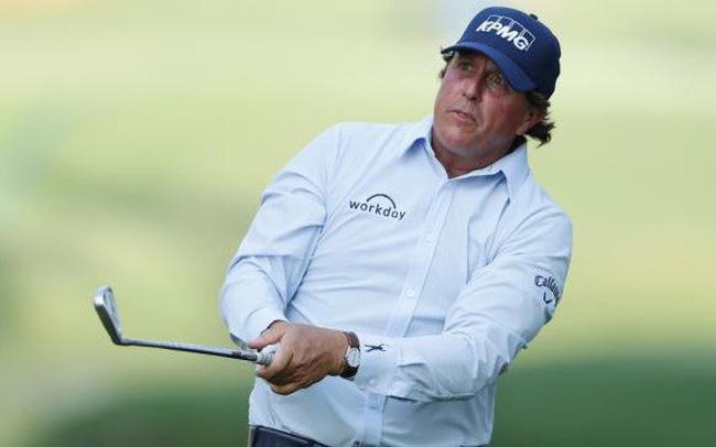 Vì sao Phil Mickelson lại mặc áo sơ mi ở The Player Championship?