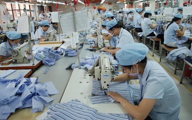 ILO: Gần một thập kỷ, giá gia công áo sơ mi, quần jean của Việt Nam hầu như không đổi