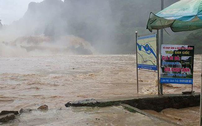 Thác bản Giốc xảy ra trận lũ quét lịch sử, nước dâng cao 2,5 mét