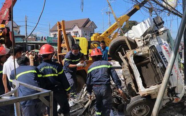 Hình ảnh hiện trường vụ tai nạn kinh hoàng làm 5 người chết ở Lâm Đồng
