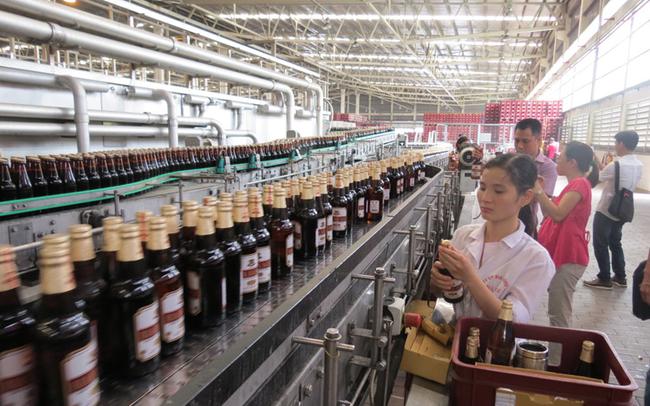 Habeco sẽ phát triển chai bia nhỏ thay thế dần chai to, lên kế hoạch lãi giảm 8% trong năm 2018