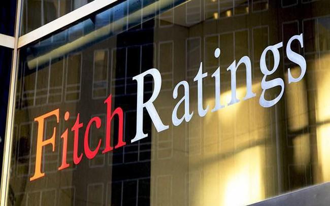Fitch: Ngân hàng đang là gánh nặng đối với xếp hạng của quốc gia