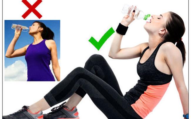 Uống nước khi đứng, sai lầm hại sức khỏe nhiều người chưa biết