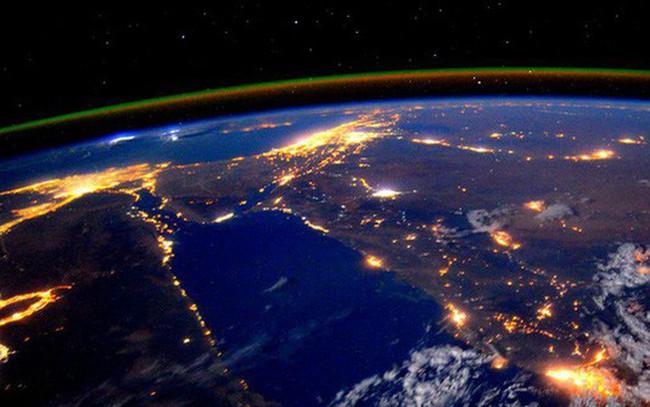 Không cần tính toán phức tạp, các nhà thiên văn học có thể biết được tăng trưởng GDP của một quốc gia bằng cách... nhìn bầu trời đêm của nước đó