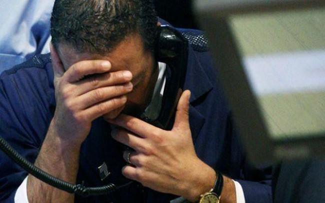 """Thị trường """"đỏ lửa"""", khối ngoại tiếp tục bán ròng hơn 380 tỷ đồng trong phiên 2/5"""
