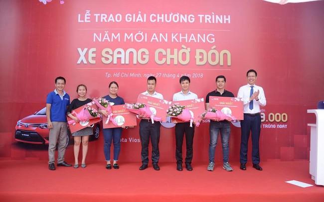 """Ngân hàng Quốc Dân trao Toyota Vios cho khách trúng thưởng chương trình """"Năm mới an khang – Xe sang chờ đón"""""""
