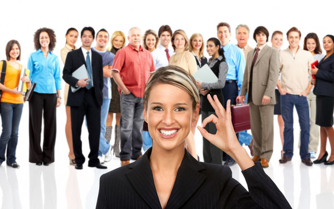"""7 cách """"đắc nhân tâm"""" nơi công sở: Hãy nhớ rằng, không ai đi một mình đến đỉnh thành công"""