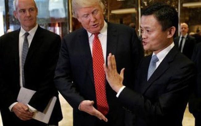 """Bị Tổng thống Trump """"cấm vận"""", Jack Ma mua hẳn cả một nhà máy để """"thay thế"""" chỉ sau 4 ngày"""