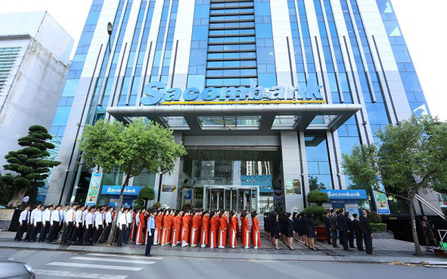 Hơn 100 nhân viên nghỉ việc trong quý 1, Sacombank thông báo tuyển thêm gần 700 nhân sự trong tháng 5