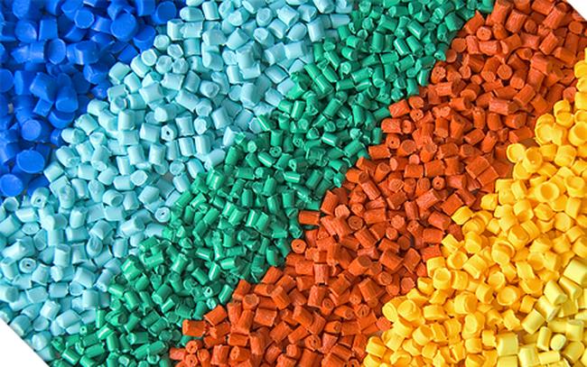 Nguyên liệu nhựa xuất khẩu chủ yếu sang Trung Quốc, giá rất rẻ