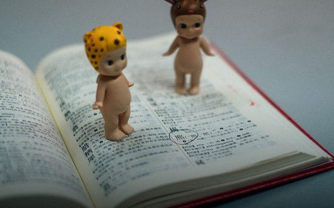 Thử làm cha làm mẹ ở Trung Quốc mới biết được đặt tên con cái khổ sở đến mức nào