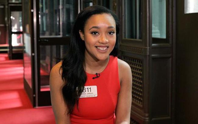 """""""Muốn thành công thì đừng giới hạn bản thân"""" -  Đó là cách cô gái 23 tuổi trở thành nữ trader duy nhất của Sàn giao dịch chứng khoán New York"""