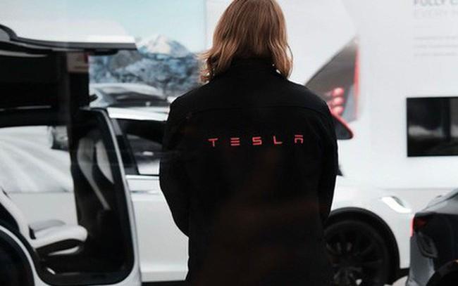 Những cựu nhân viên Tesla chia sẻ sự bàng hoàng khi họ biết là mình đang bị đuổi việc