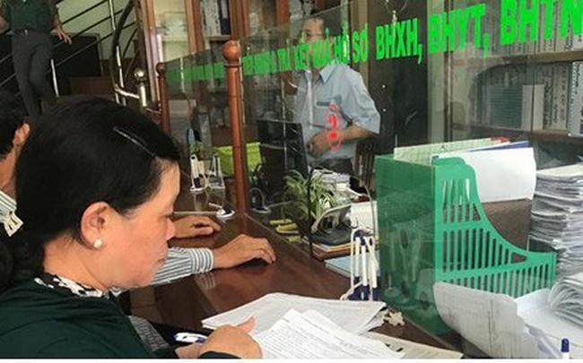 Trả sổ BHXH cho người lao động: Nhiều người sợ mất