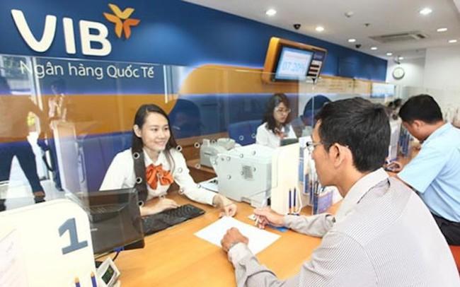 Chưa hết nửa năm, VIB báo lãi trước thuế tăng 230%, Vietcombank lợi nhuận trên 7.700 tỷ