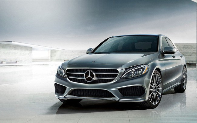 Mercedes-Benz tiếp tục triệu hồi gần 300 xe tại Việt Nam