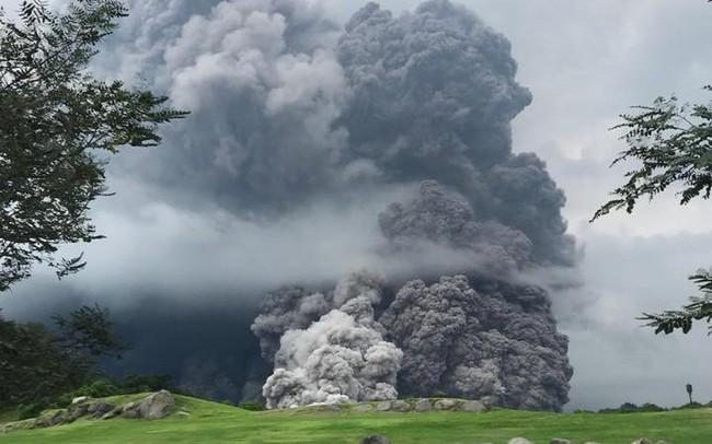 Núi lửa phun trào, nhiều người thiệt mạng ở Guatemala