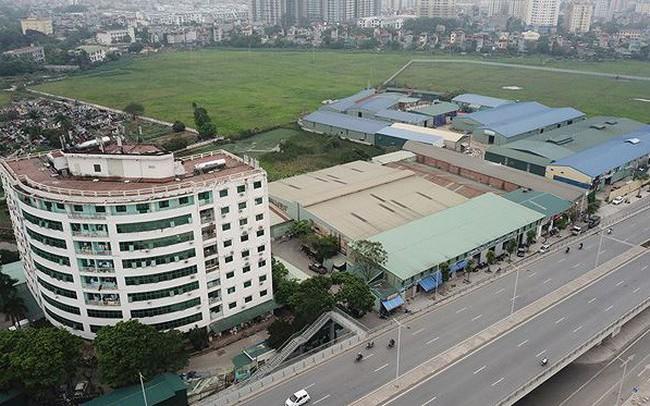 Hàng nghìn mét vuông nhà xưởng không phép 'vô tư' tồn tại giữa Thủ đô