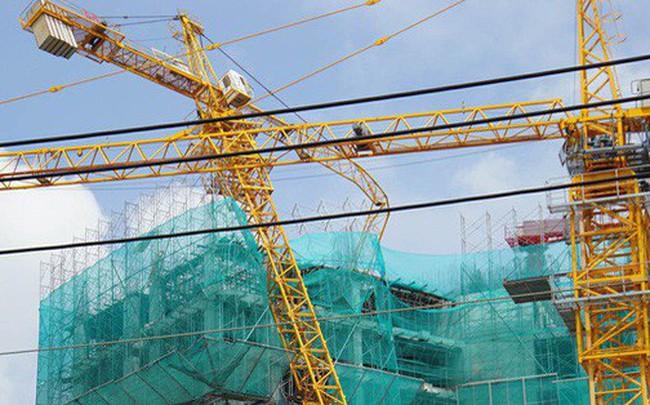 Gãy trục cần cẩu dự án Topaz Elite ở Sài Gòn, người dân xung quanh di tản