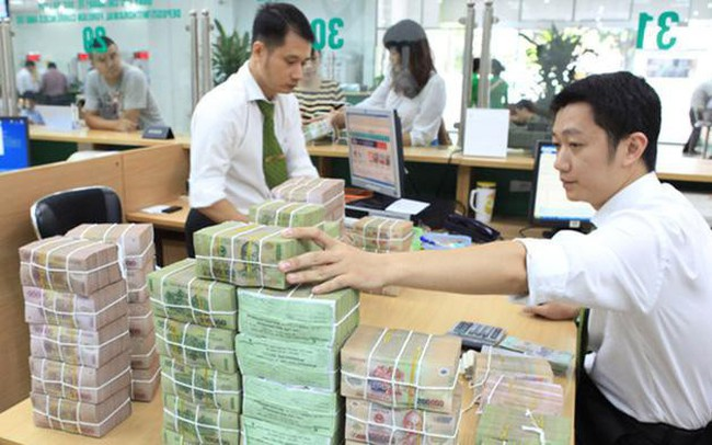 Ngân hàng bỏ qua việc đếm tiền khi trả khách: Không đơn giản chỉ là chuyện thừa, thiếu!