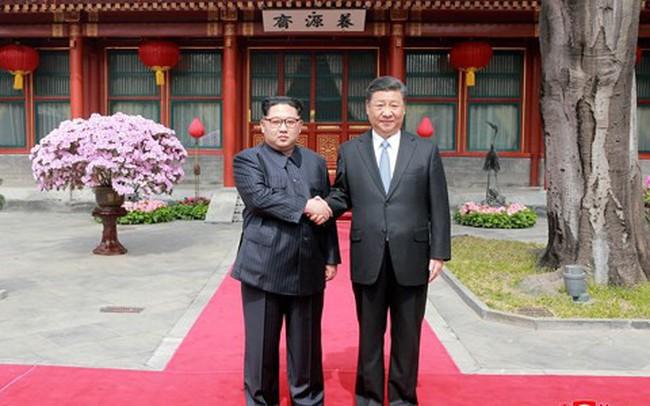 """""""Cơn mưa tiền"""" Trung Quốc đổ xuống Triều Tiên nếu thượng đỉnh Mỹ - Triều thành công?"""