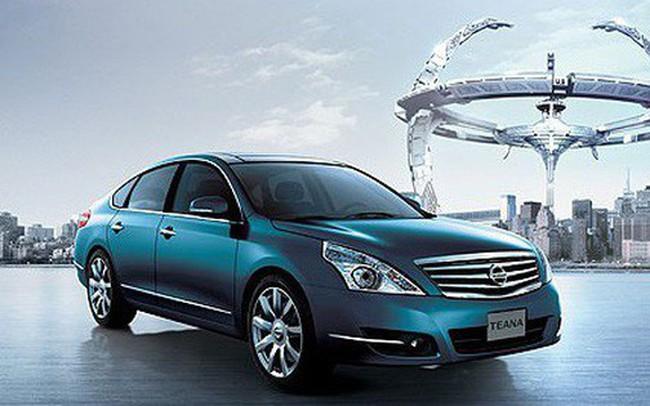 Nghịch lý thị trường ô tô: Kẻ kiên quyết giữ giá, người tung chiêu giảm trăm triệu đồng