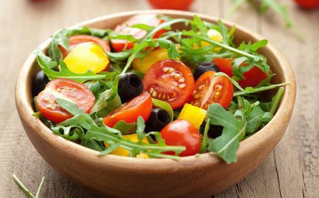 """WHO tiết lộ chế độ ăn giúp giảm một nửa nguy cơ mắc ung thư và các bệnh tim mạch: Càng bám sát thực đơn, càng xa """"tử thần"""""""