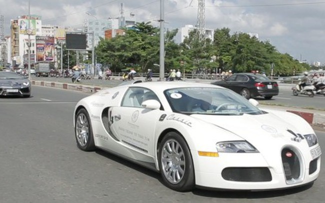 """Bugatti Veyron của ông Đặng Lê Nguyên Vũ có thể phải để xe tải """"cõng"""" qua đường xấu"""