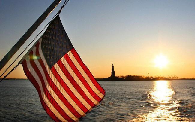 Có tới 96% dân số thành thạo tiếng Anh tại sao đây vẫn không phải ngôn ngữ chính thức của Mỹ?