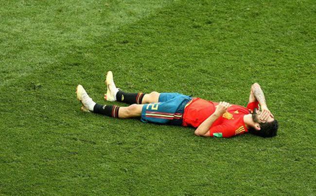 Dàn sao Tây Ban Nha sụp đổ, bật khóc tức tưởi sau khi chia tay World Cup 2018