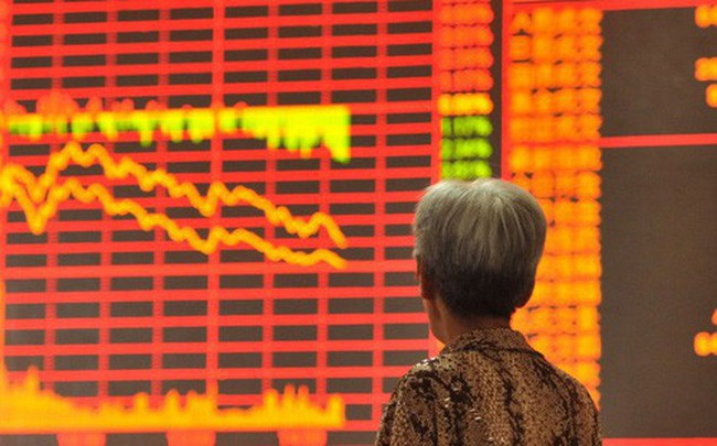 Chứng khoán Trung Quốc tiếp tục bị bán tháo