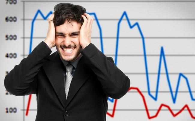 """Bay hơn 41 điểm, VN-Index """"chạm đáy nỗi đau"""", ROS ngoạn mục quay về sát tham chiếu"""
