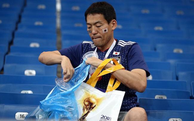 """Chưa lúc nào người Nhật thôi khiến cả thế giới """"nghiêng mình kính nể"""": Chỉ là vài hành động nhỏ sau một trận bóng thôi nhưng chẳng phải ai cũng làm được!"""