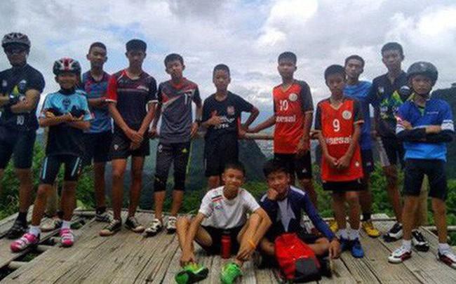 HLV đội bóng Thái Lan có nguy cơ đối mặt với án phạt dù vẫn còn ở trong hang