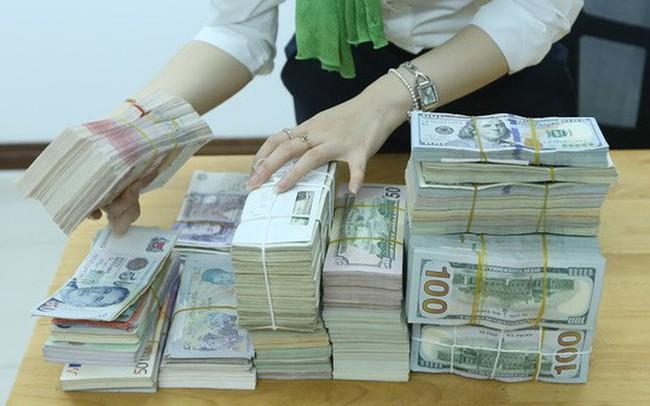 Nước ngoài chưa rút vốn, bán ngoại tệ không ngân hàng nào mua