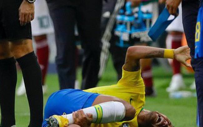 [World Cup 2018] Theo thống kê, Neymar đã nằm ăn vạ tổng cộng 13 phút 50 giây trên sân từ đầu giải đến nay