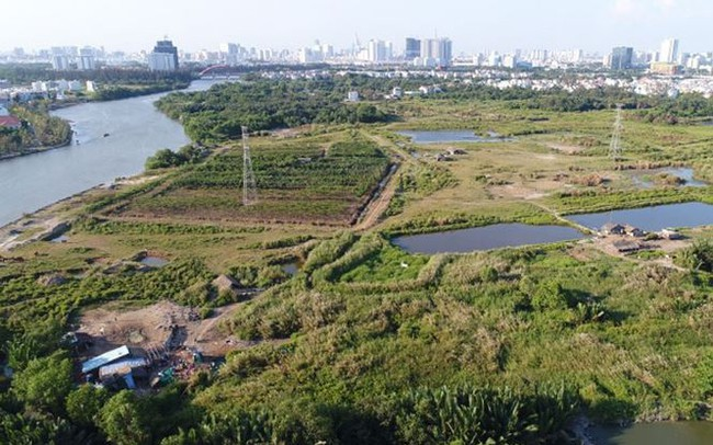 Vụ bán rẻ 32 ha đất: Khiển trách Chánh Văn phòng Thành ủy TPHCM