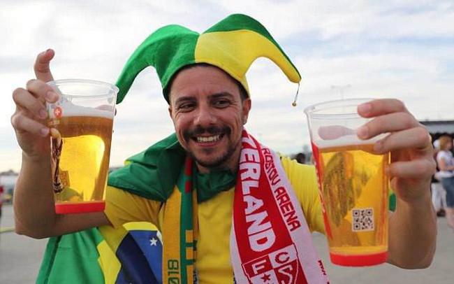 """Mùa World Cup, hàng loạt doanh nghiệp ngành bia lại đua trả cổ tức """"khủng"""""""