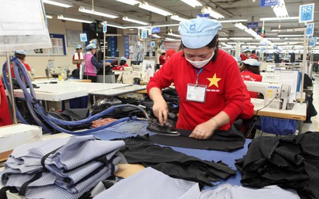 Chiến tranh thương mại Trung – Mỹ kéo lùi đà phát triển ngành dệt may Việt Nam - ảnh 1