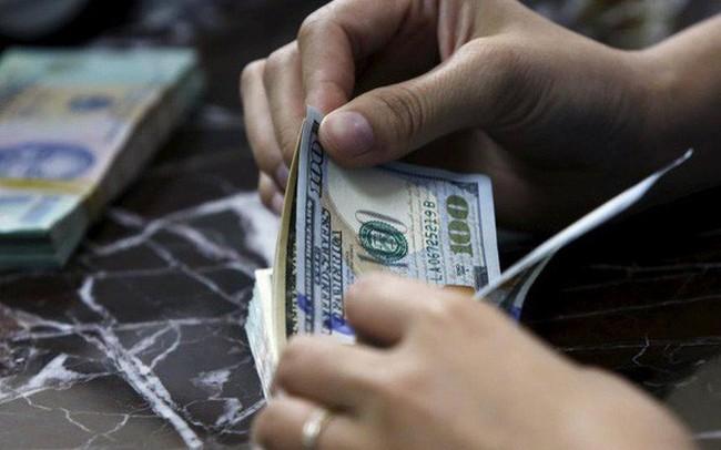 Tỷ giá trong ngân hàng đã tăng vượt hầu hết các dự báo