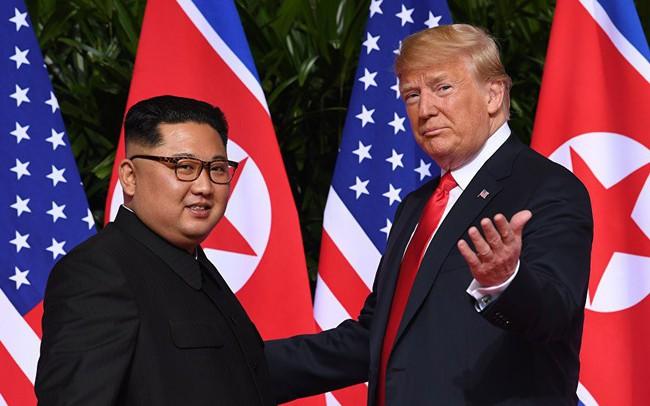"""Sau những """"tuần trăng mật"""" ngọt ngào, Mỹ - Triều trở lại vòng luẩn quẩn chỉ trích, đe dọa lẫn nhau"""