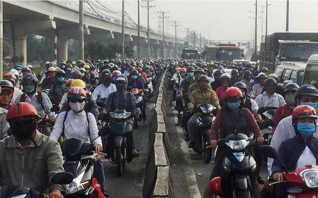 Cửa ngõ Sài Gòn kẹt xe kinh hoàng ngày đầu tuần