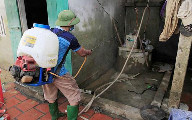 Rốn lũ Chương Mỹ: Nước giếng hòa nước lũ, nguy cơ nhiễm bệnh cao